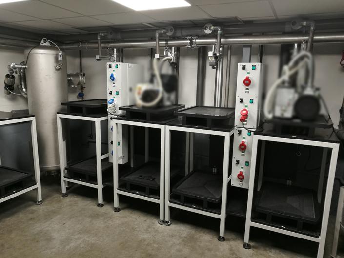 salle instrumentée pour le contrôle d'endurances de pompes à vide